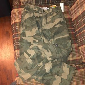 BRAND NEW OLD NAVY BRAND CAMOUFLAGE CARGO PANTS